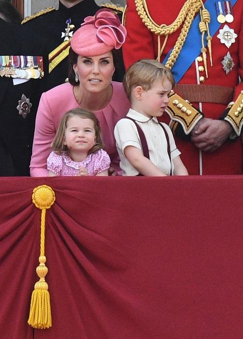 Księżna Catherine, księżniczka Charlotte i książę George