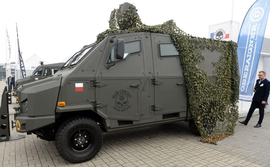 Dino 519 4X4, czyli opancerzony lekki taktyczny pojazd wielozadaniowy, zadebiutował w Kielcach