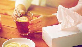 Dieta, by zwalczyć przeziębienie: herbata z cytryną