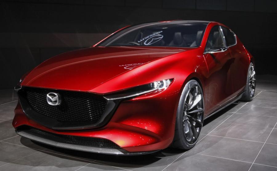 Mazda Kai ma 4420 mm długości, 1855 mm szerokości i tylko 1375 mm wysokości. Rozstaw osi (2750 mm) jest większy o 50 mm w porównaniu do obecnego modelu Mazdy 3