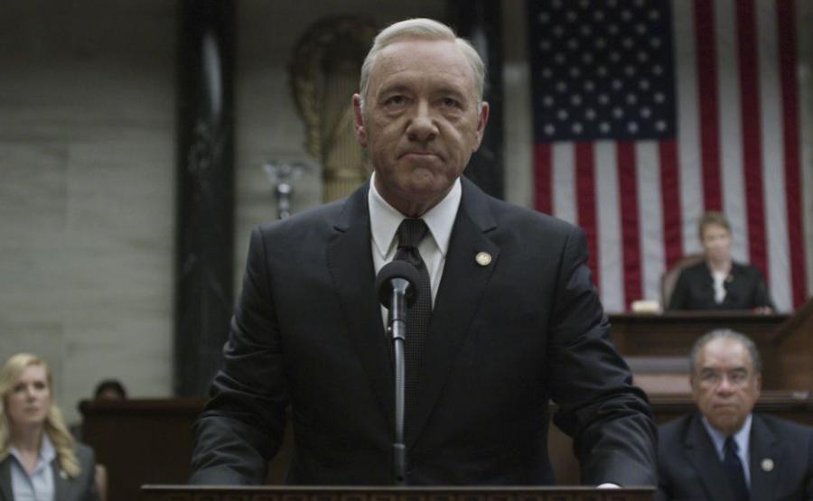 Kevin Spacey jako Frank Underwood w serialu \