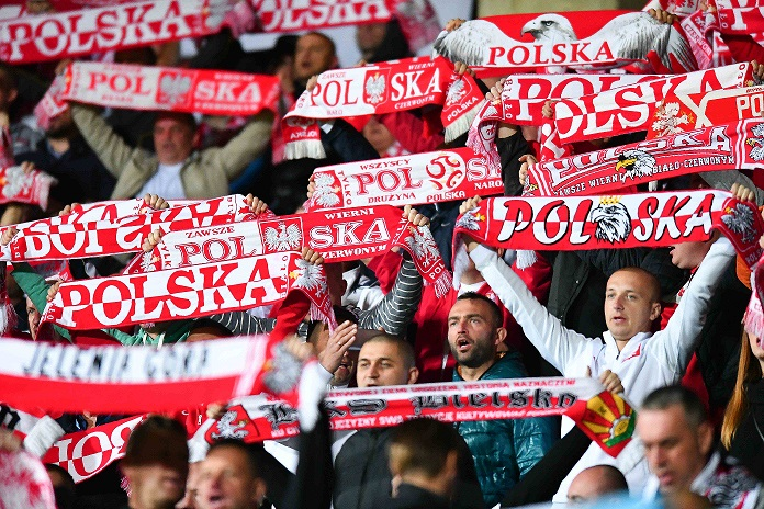 Polscy kibice na meczu z Armenią