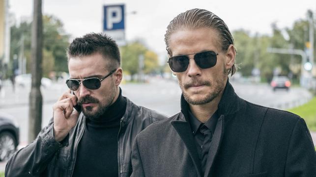 """Sebastian Fabijański oraz Piotr Stramowski w filmie Patryka Vegi """"Kobiety mafii"""""""