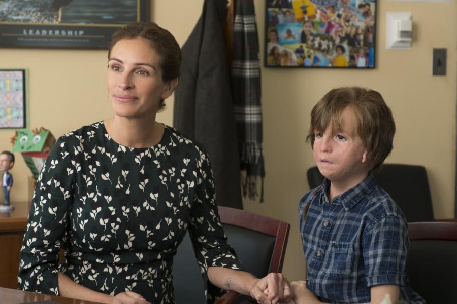 """Julia Roberts oraz Jacob Tremblay w filmie """"Cudowny chłopak"""""""