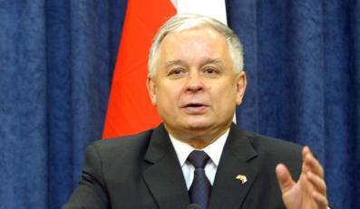 Prezydent ma pretensje do Tuska o pożar