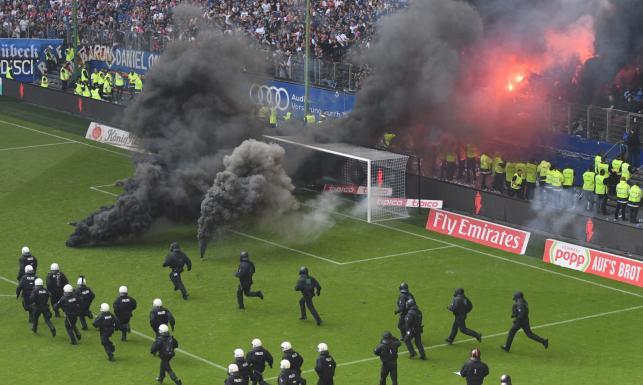 Wielka zadyma w Hamburgu. Lewandowski bez 30. gola, ale z koroną króla strzelców