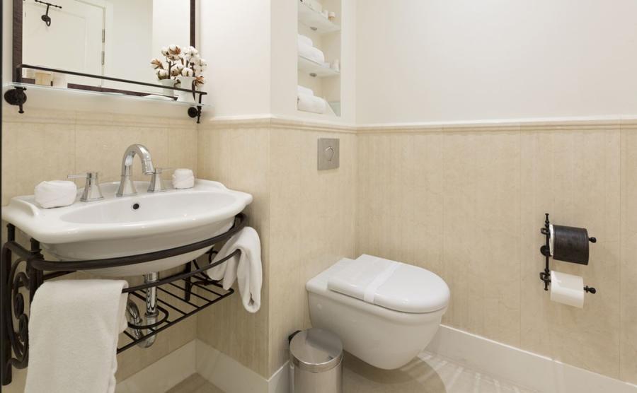 hotelowa toaleta