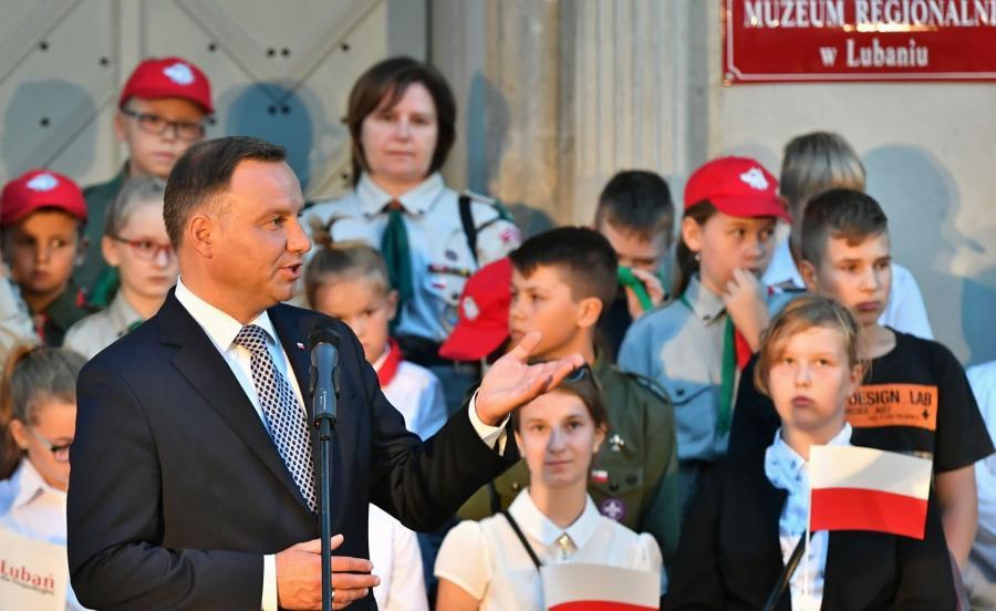 Prezydent RP Andrzej Duda podczas spotkania z mieszkańcami Lubania