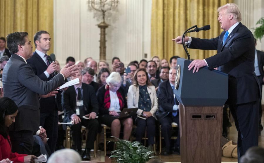 Starcie Donalda Trumpa z Jimem Acostą na konferencji prasowej w Białym Domu
