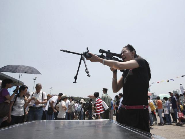 Chiny uczciły wielką paradą 60-lecie powstania Chińskiej Marynarki Wojennej