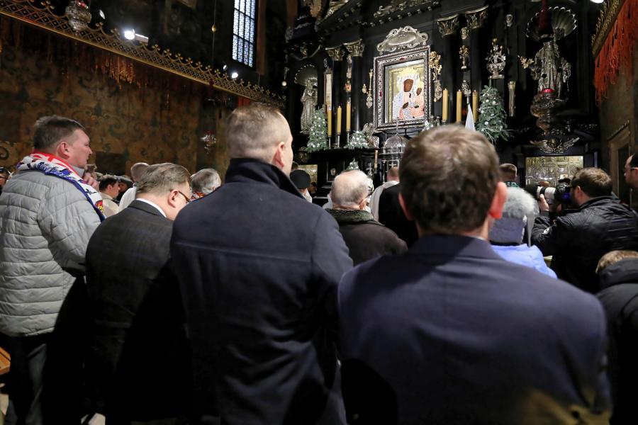 Msza św. w Kaplicy Cudownego Obrazu. XI Patriotyczna Pielgrzymka kibiców na Jasną Górę