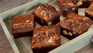 Brownie ze słonym karmelem