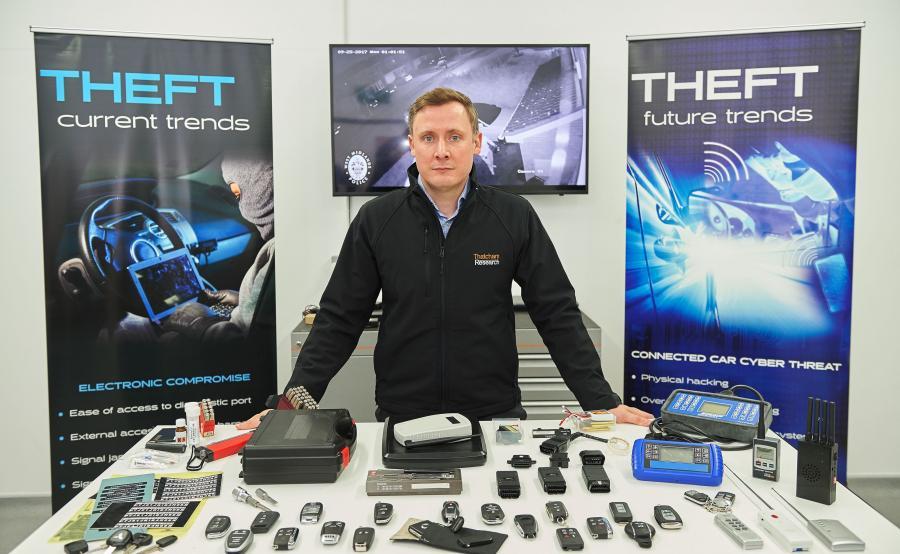 Richard Billyeald, główny specjalista ds. technicznych w Thatcham Research i sprzęt stosowany do \