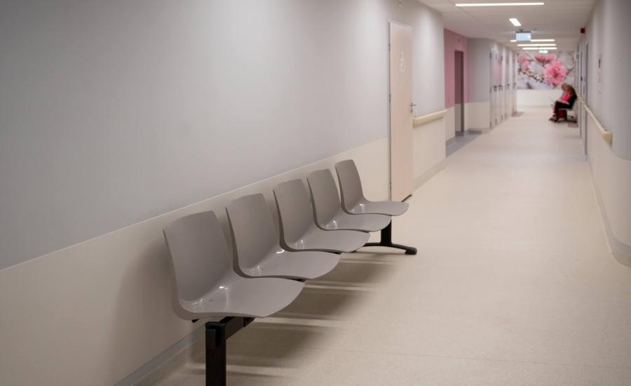W Instytucie Centrum Zdrowia Matki Polki otwarto trzy wyremontowane i zmodernizowane kliniki onkologiczne