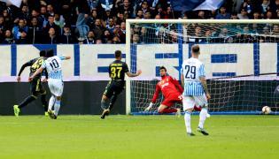 Sergio Floccari strzela gola dla SPAL