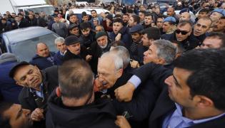 Kemal Kilicdaroglu zaatakowany na pogrzebie