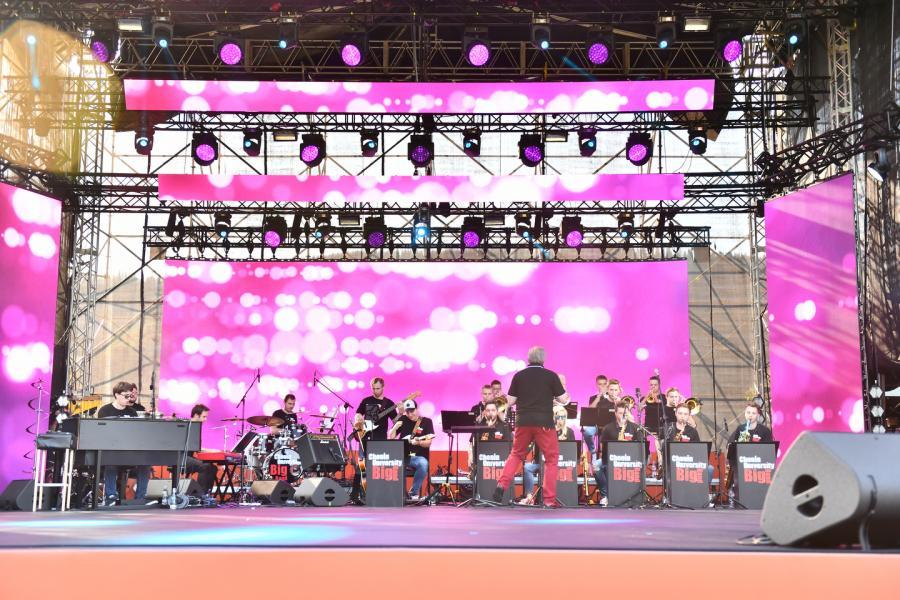 Chopin University Big Band pod dyr Piotra Kostrzewy Scena Główna (Dolna Rówień Krupowa) Lato z Radiem Festiwal 2019 Zakopane