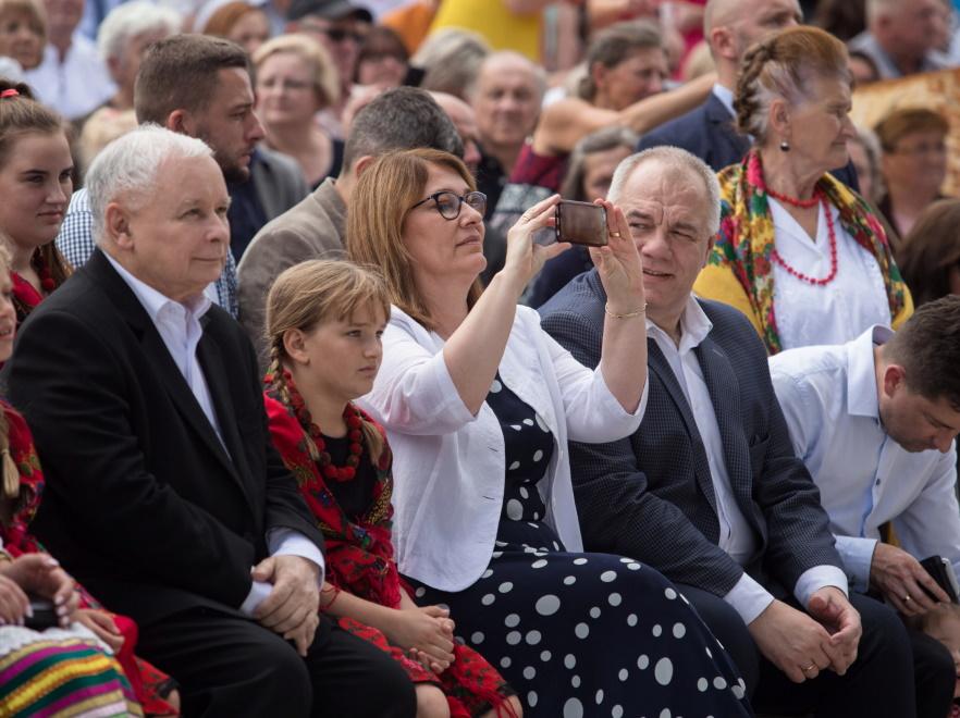Jarosław Kaczyński, Beata Mazurek i Jacek Sasin
