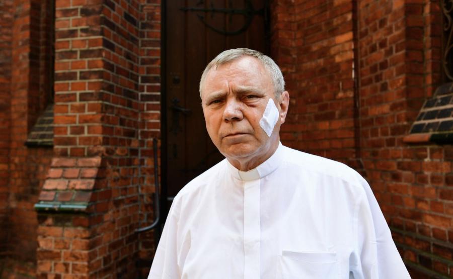 Proboszcz parafii przy bazylice św. Jana Chrzciciela w Szczecinie ks. Aleksander Ziejewski