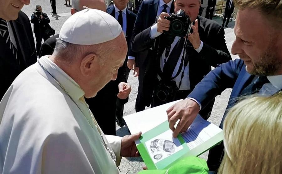 Przedstawiciele Emobi rozmawiali z Franciszkiem w Watykanie już 8 maja