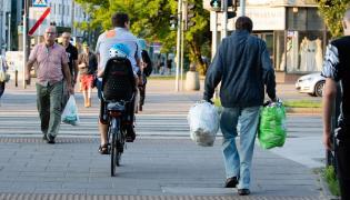 Ludzie ulica Warszawa