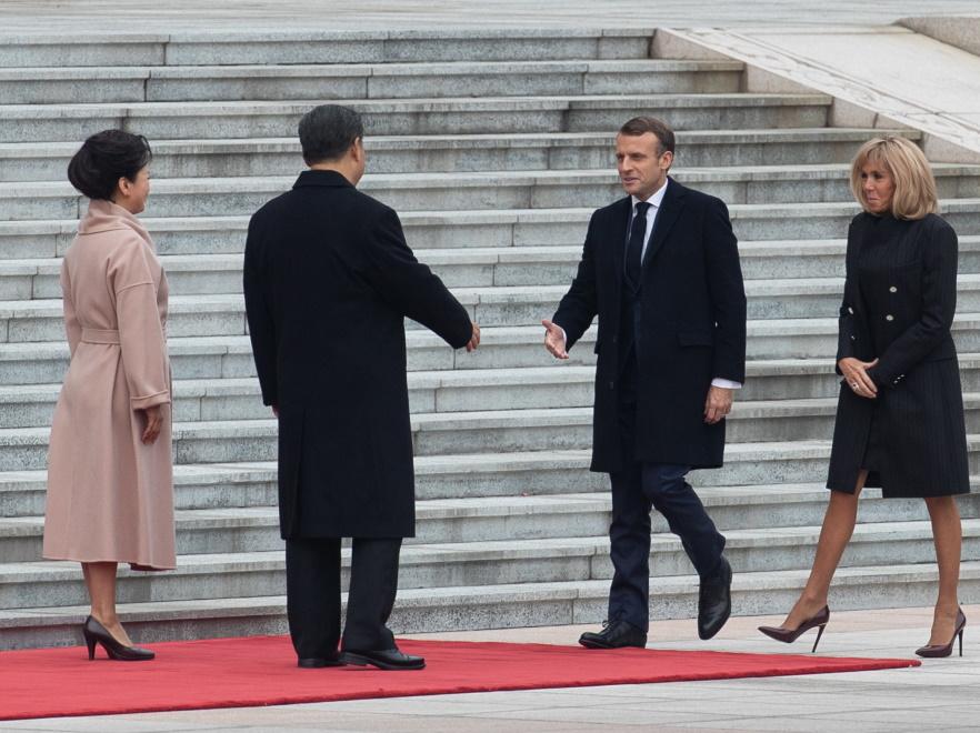 Xi Jinping i Peng Liyuan oraz Brigitte i Emmanuel Macronowie