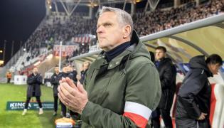 Trener ŁKS Łódź Kazimierz Moskal podczas meczu Ekstraklasy ze Śląskiem Wrocław