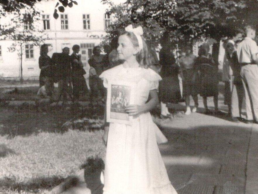 W dniu komunii w sukience z paczki od wujka z Chicago