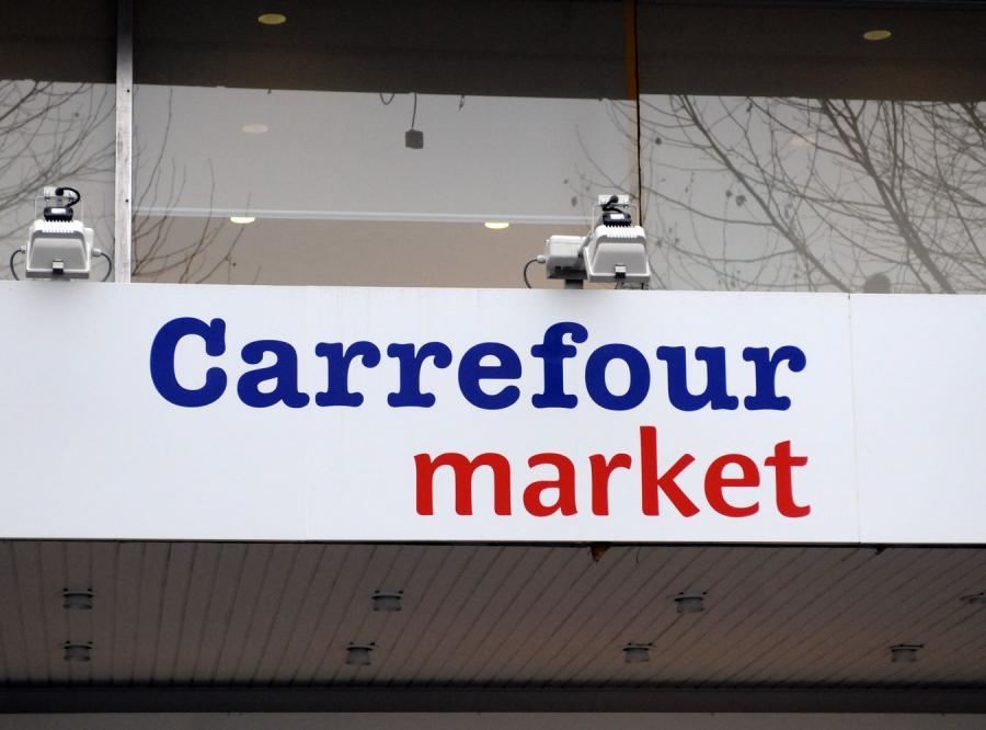 Carrefour wypowiada wojnę Biedronce