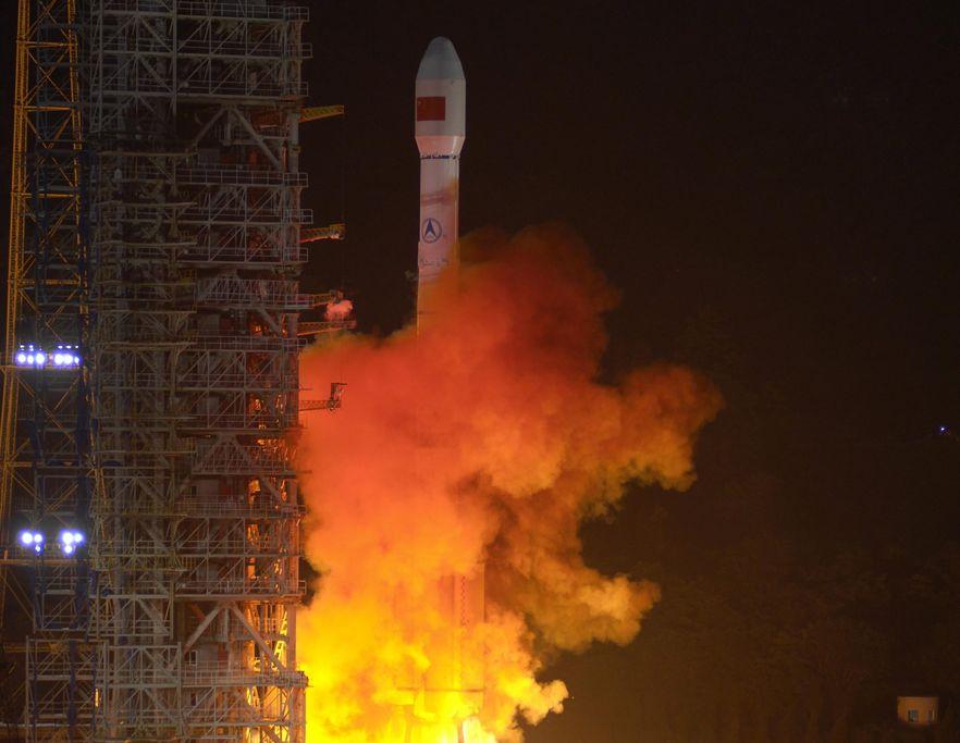Chiny wystrzeliły sondę na Księżyc