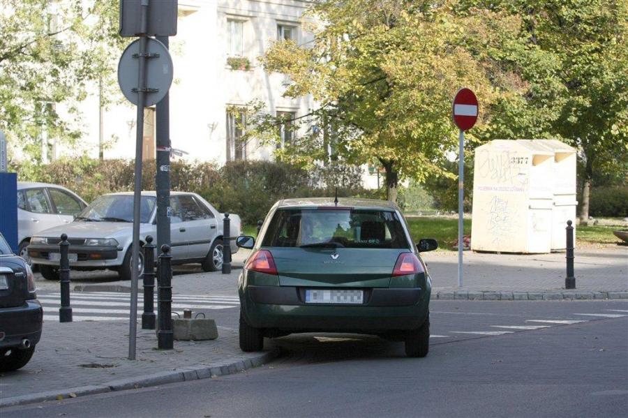 Czy tak parkuje prawdziwa dama?!