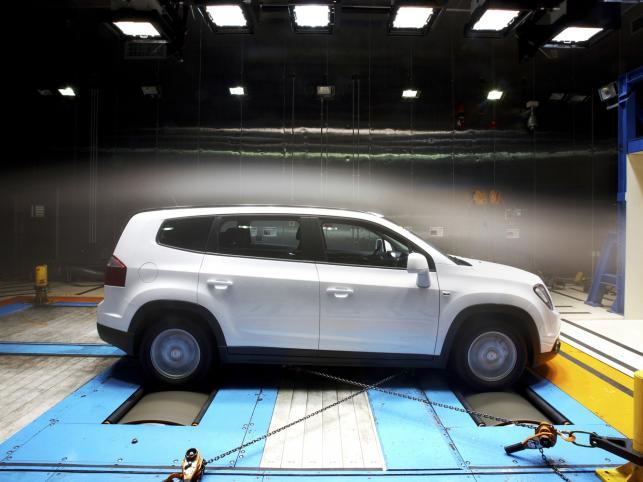 Pierwszy europejski model Chevroleta wśród vanów już wkrótce zadebiutuje na polskim rynku. Od początku przyszłego roku będzie można składać zamówienia u dilerów na Orlando. W salonach pojawi się on najpóźniej w marcu 2011 roku