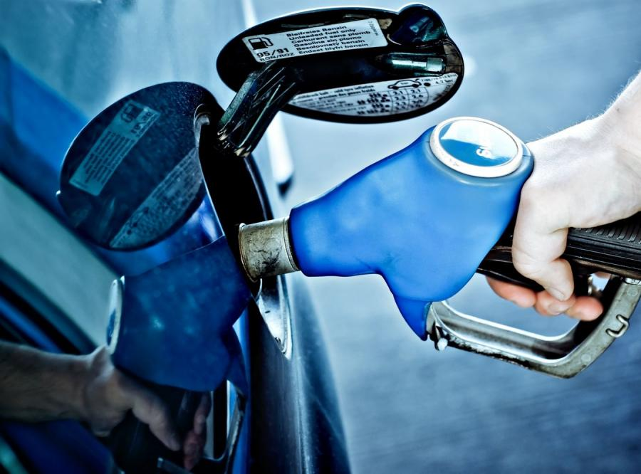 Tankowanie paliwa - zdjęcie ilustracyjne