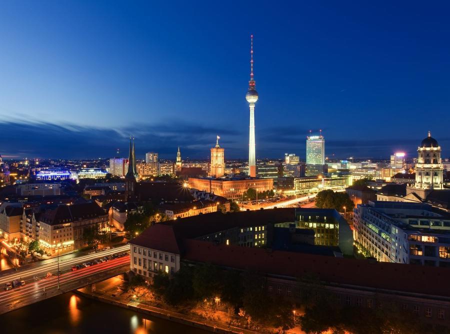 Nocny widok centrum Berlina