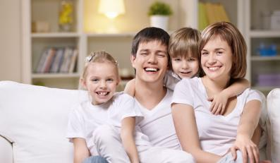 Aby psychika dziecka rozwijała się prawidłowo, potrzebna jest akceptacja obojga rodziców.