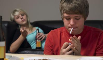 Badanie ESPAD: Marihuanę młodzi zapijają wódką