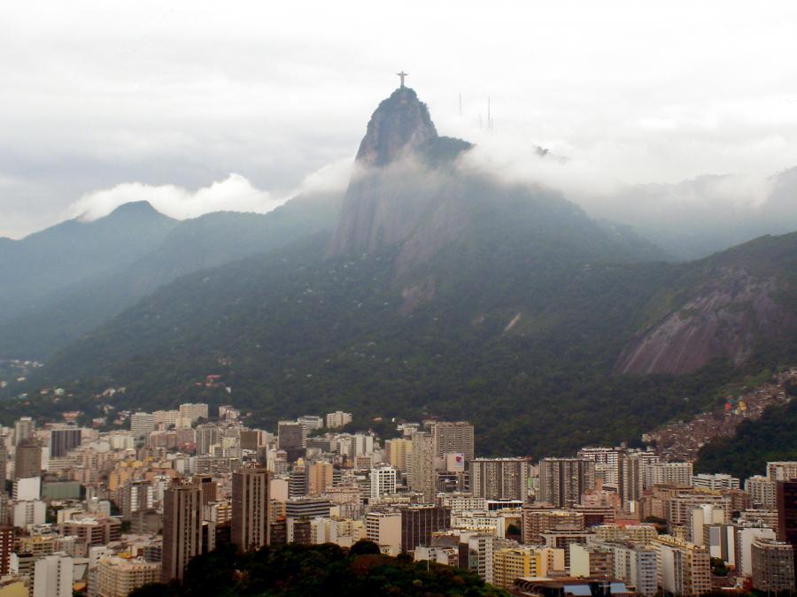 Jezus z Corcovado spogląda na Rio