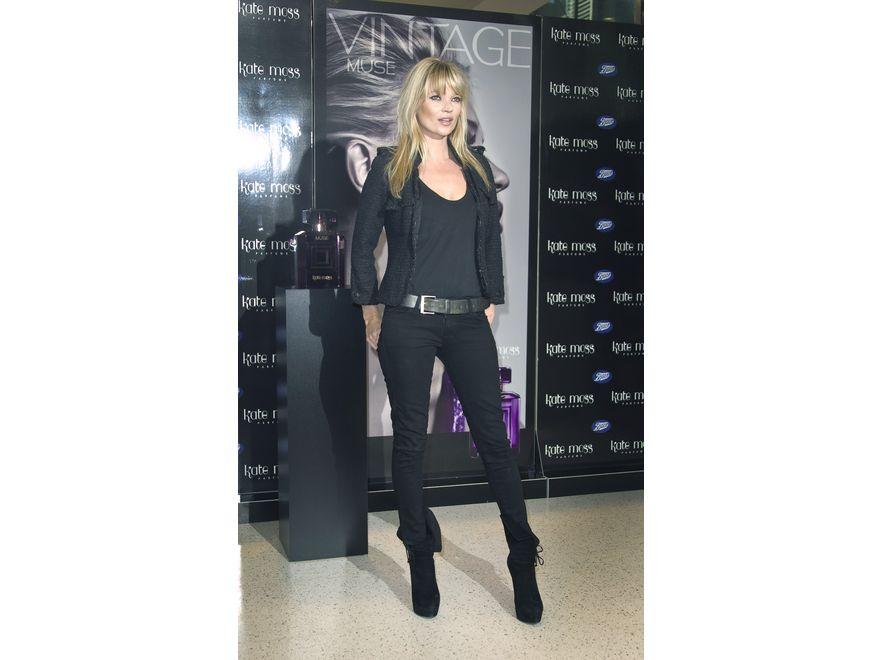 Kate Moss. W gronie najlepiej ubranych nie mogło zabraknąć topmodelki. Padło na znaną imprezowiczkę Kate Moss. Miejsce siódme w rankingu.