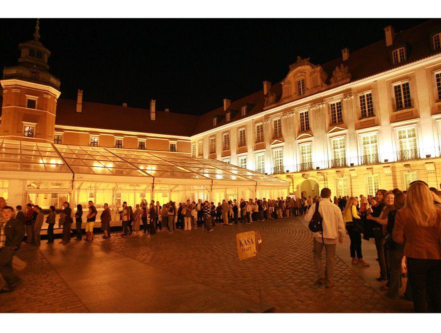 Warszawiacy tłumnie odwiedzali Zamek Królewski
