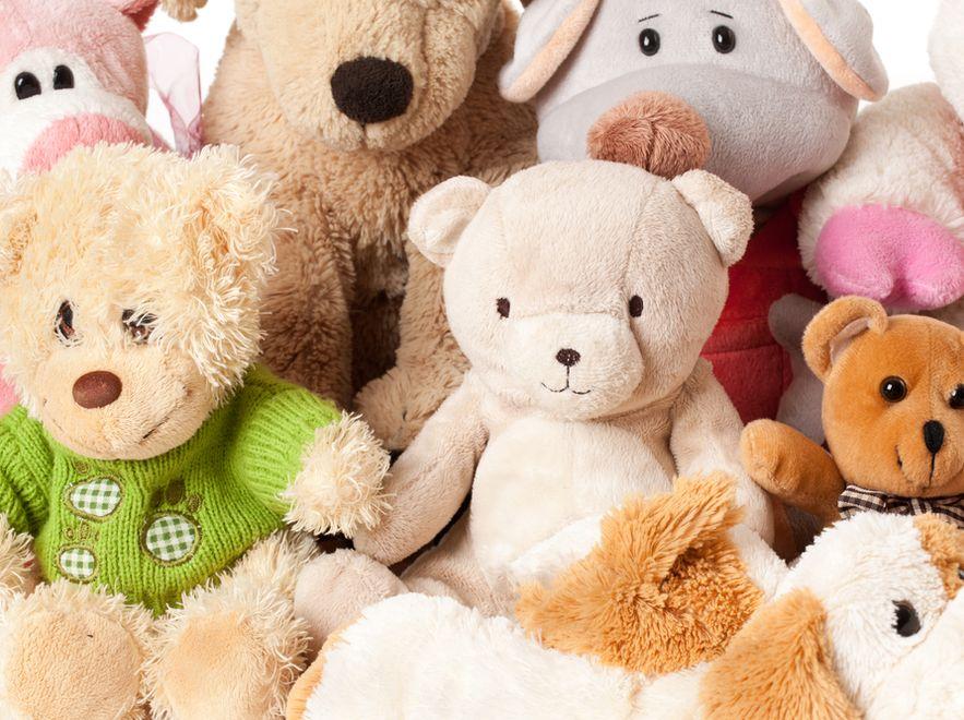 Aby zabawki zostały uznane za bezpieczne dla dziecka, muszą spełnić wiele wymogów.