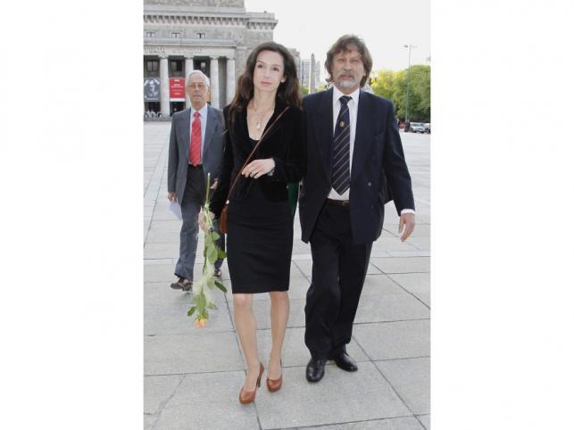 Marta Kaczyńska postanowiła nie wchodzić do show-biznesowego świata. Dlatego jest znana przede wszystkim jako córka pary prezydenckiej, żona Marcina Dubienieckiego i matka dwóch ślicznych córeczek.