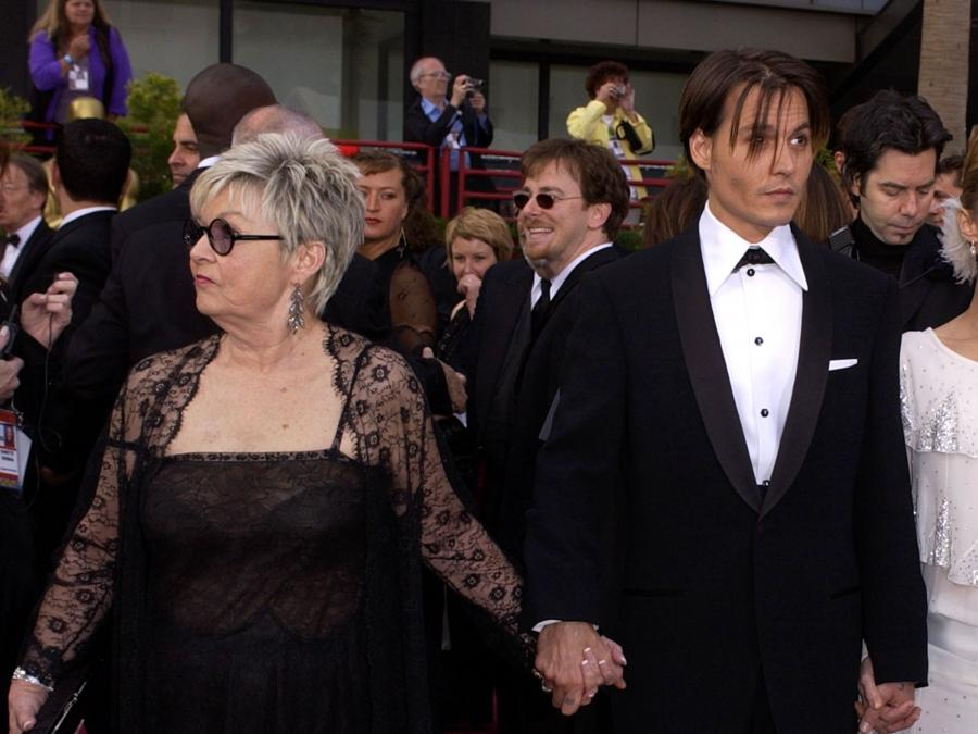 Depp z mamą