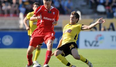 Grzegorz Bonin (w czerwonej koszulce)