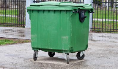 Zamiast wyrzucać elektrośmieci do śmietników, oddasz je za darmo z markecie z elektroniką