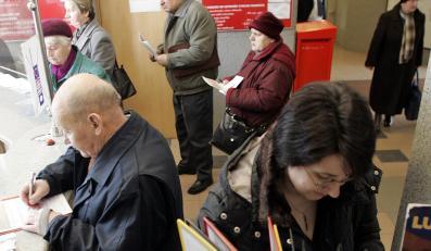 Czy strajk skarbówki i poczty to spisek?