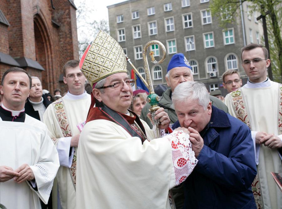 Arcybiskup: Kaczyński należał do łańcucha wielkich prezydentów