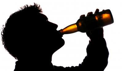 Cena piwa w supermarkecie jest o wiele niższa niż w pubie