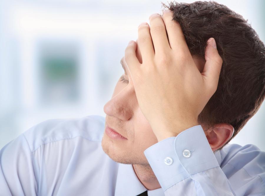 Silny ból głowy to pierwszy symptom grypy