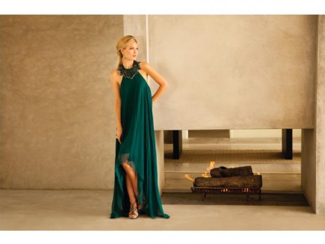 Hollywodzka elegancja: sukienki marki Aidan Mattox z kolekcji jesień/zima 2011/2012.