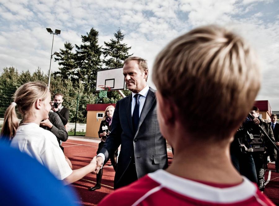 Donald Tusk na boisku Orlik